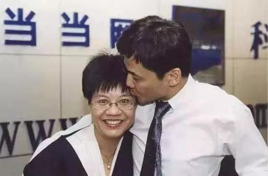 qq红包群成赌博群了吗_大湾区之声热评:香港不是美国政客的做秀场