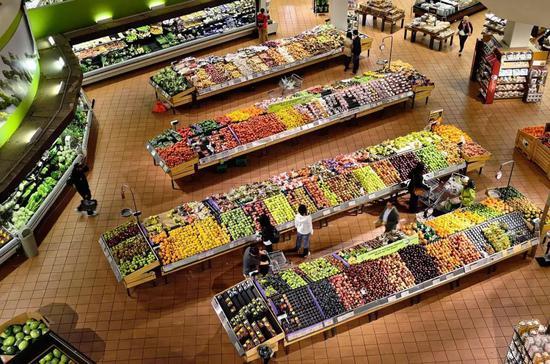 新零售烧钱致永辉超市业绩下滑 实控人半年套现58亿