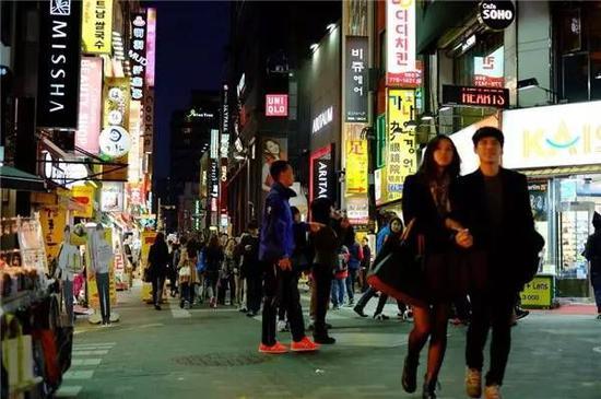 """""""韩国乐天瞄准中国游客 免税店今年销售额或历史最高"""