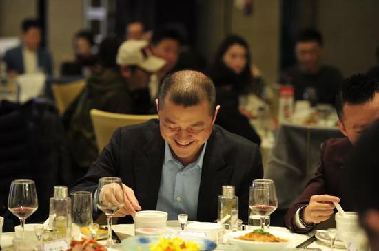 gvbet娱乐网|6·18北京网购超百亿 都用在吃喝变美上