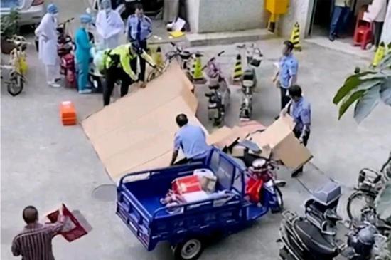 """快递员被砸身亡,妻子称""""公司不承认丈夫是员工""""?中通终于回应"""