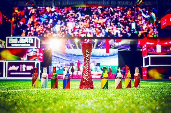 百威的世界杯限量铝瓶
