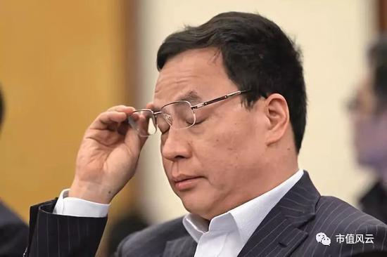 (汉能控股集团主席李河君)