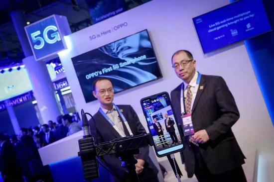 OPPO与高通合作,现实5G手机微博直播。