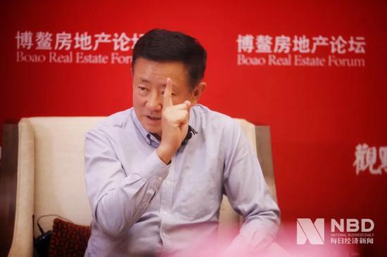 <b>樊纲再评楼市:中国人爱炒房 就是因为存的钱太多了</b>