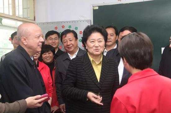 361平台支付 - 马天宇成第4位被杨紫插鼻孔男星 奇怪癖好引争议