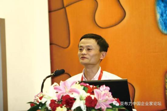 """巨弘国际平台黑钱,新疆百年古城""""修旧复容""""迎八方客"""