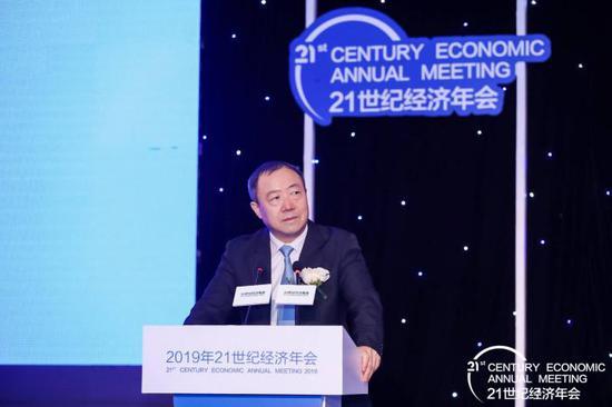 银保监会副主席黄洪:银行保险业助力经济新动能发展