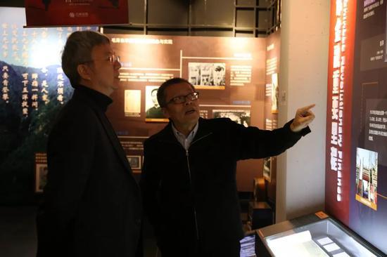 苹果福彩投注下载安装·东莞举行庆祝中华人民共和国成立70周年书法摄影展,激发观展的港澳台人士爱国情怀