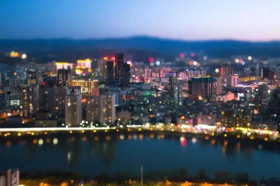 中国小城故事:终将消逝的四种城市