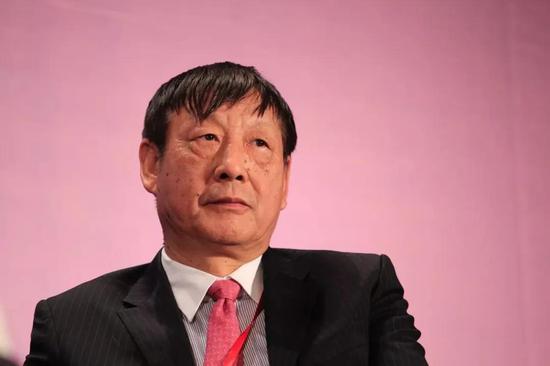 曹远征:中国现在还远未到财政赤字货币化的地步