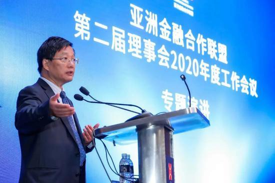 朱小黄:疫后银行业的发展与转型