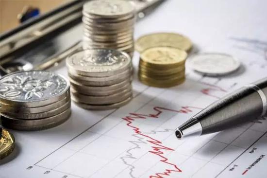 谁是美元替代品?一位专家提出了黄金和SDR的组合