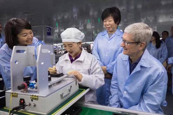 """起底2.6万亿果链上的""""女玩家"""":年内千亿身家缩水近4成,iPhone 13能否提振股价?"""