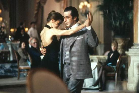 《闻香识女人》大约一半场景发生在这座酒店,探戈桥段取景于Vanderbilt宴会厅