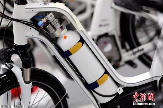 原料图:法国推出零碳排放自走车只排放出水,对环境珍惜专门有利。