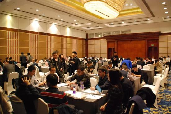 天宝游戏平台 警方:上海大渡河路金沙江路口发生一起交通事故,已致2死12伤,司机尚未排除酒驾毒驾嫌疑