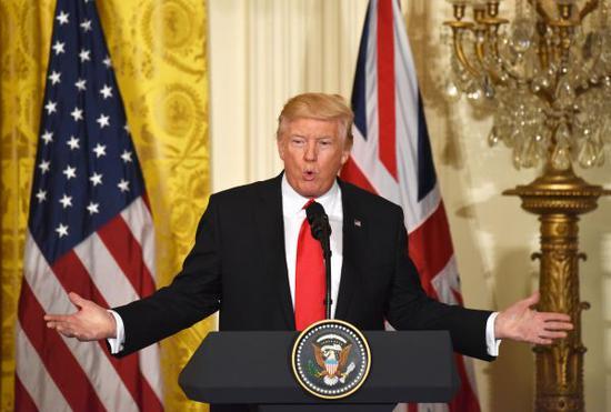 美国四处挥贸易大棒惹众怒 或会挑起全球贸易战