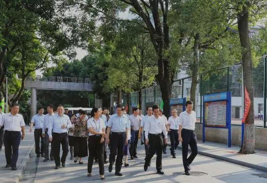 伯爵娱乐私彩网-广州街坊巾帼反邪教宣传志愿服务队进入白云区开展活动