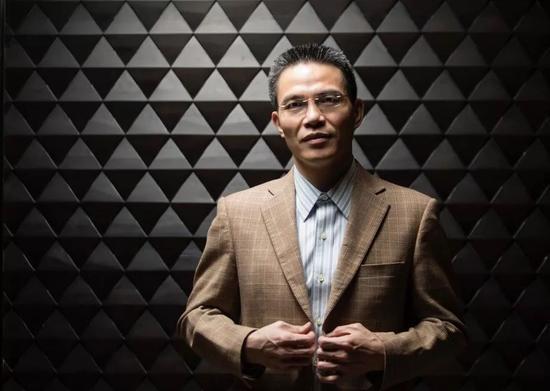 从彭志坚身上感受最强烈的是投资人惯有的聪明、职业,还有纪律。 摄影:金羽泽