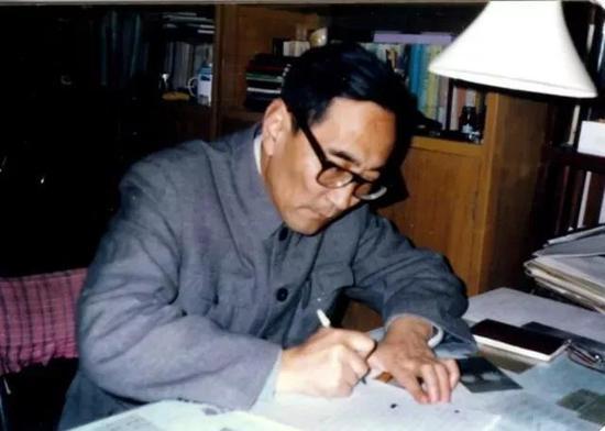 ▲厉以宁是我国最早提出股份制改革理论的学者之一