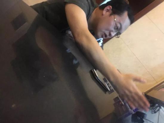 网传徐明星和警方对话视频截图