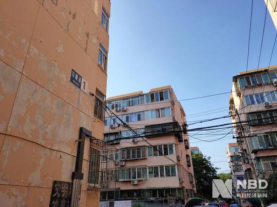 北京西单京畿道临近学校的某老旧小区 图片来源:每经记者王佳飞 摄