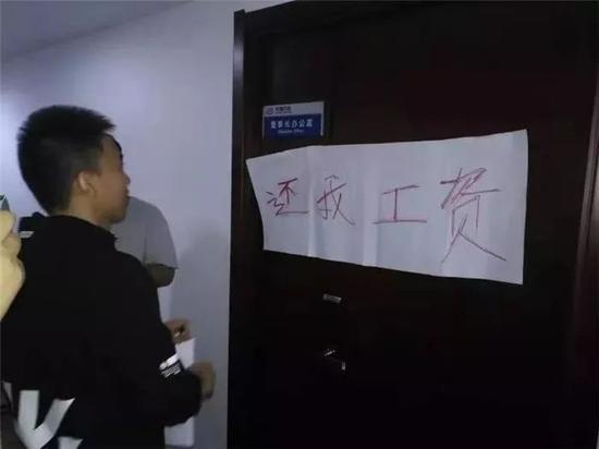 永鑫娱乐场真人 陪孩子写作业到10点半,33岁妈妈气出脑梗?