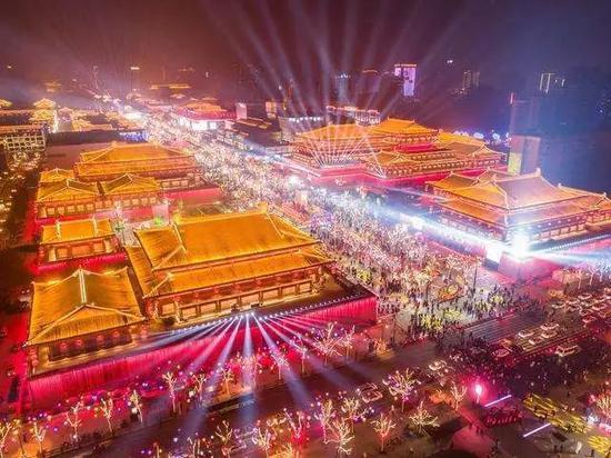 《爱赢娱乐》官网_英国作家西蒙·范·布伊来南京与读者分享短篇小说的艺术