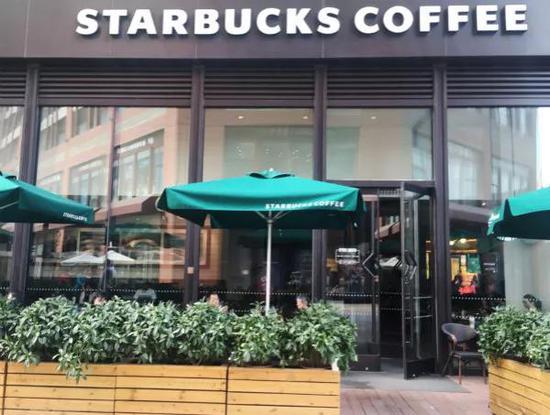 星巴克8000家门店将停业3小时 涉及员工17.5万名