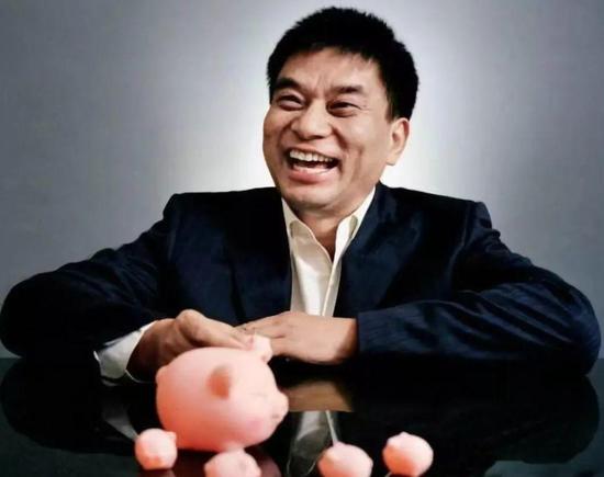 """刘永好遭遇""""水逆"""":养猪业务业绩暴跌 旗下新网银行被点名批评"""