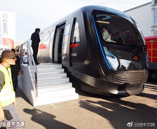 中车展出的碳纤维材质车辆(德国柏林)