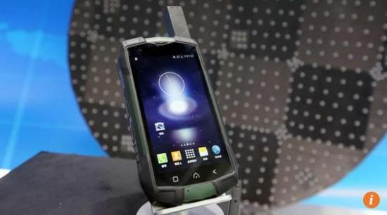 中国版卫星电话亮相 5年覆盖全球话费低