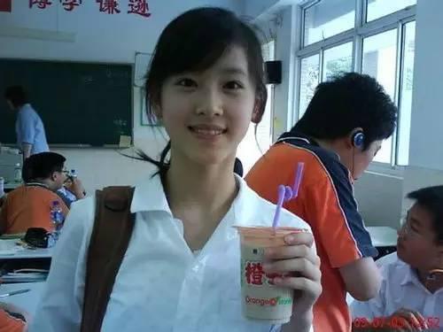 章泽天不太喜欢别人叫她奶茶妹妹。