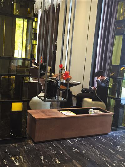 5月1日,位于东五环外的万科某售楼处。新京报记者 金彧 摄