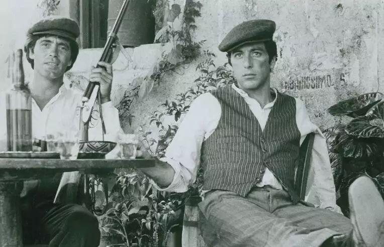 电影《教父》(1971)剧照。