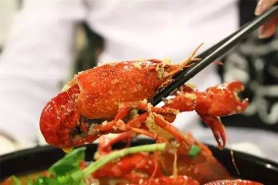 小龙虾成最惨外来物种:缺货严重 被吃成濒临绝种