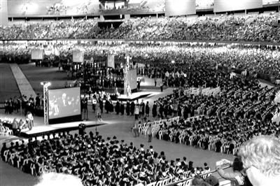 小林在澳洲参加的研究生毕业典礼受访者供图