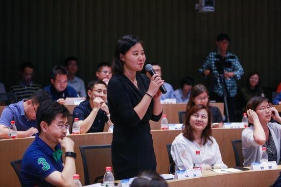 百悦集团金融事业中心总经理马兵现场提问