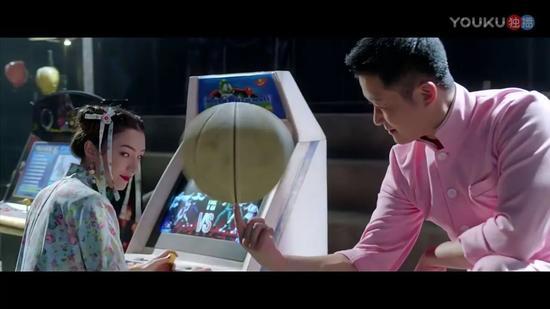 最后黄晓明、佟大为、李晨的出场承包了整部电影的笑点。请大家自行体会。