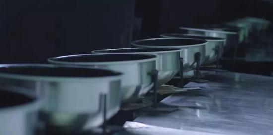 蘇泊爾本釜內膽全自動噴涂車間