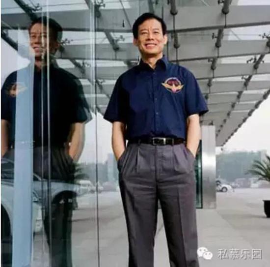 李质仙是国泰君安研究所纺织和服装行业资深分析师