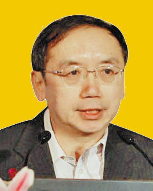 王小鲁:政府支出结构应把重点从投资转向改善民生