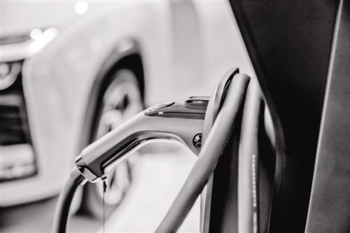 反思威马自燃事故:三电核心技术考验新势力造车