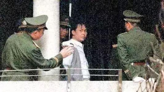 執行槍決前的張子強,廣州,1998年