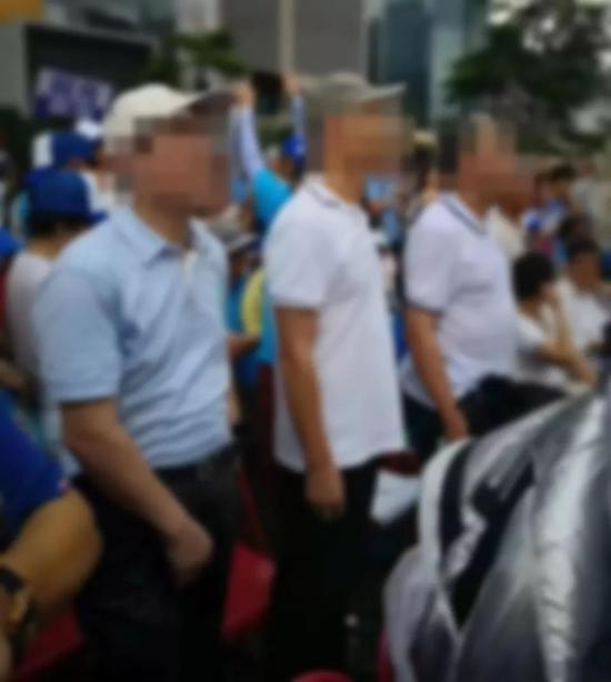 被通缉的莆田涉黑富商黄志贤参与香港游行?