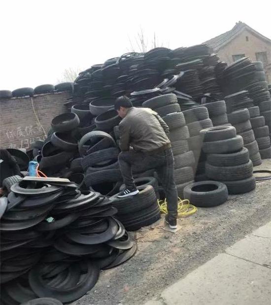 """?""""轮胎超?#23567;?#20869;有各种旧轮胎超过3万条"""