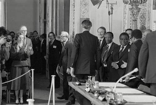 历史照片:1979年英国-津巴布韦签署《兰开斯特宫协议》