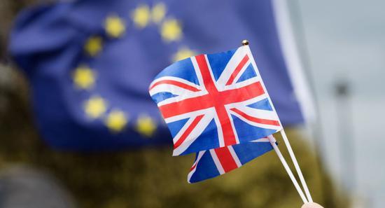 反约翰逊阵营提修订 新脱欧协议