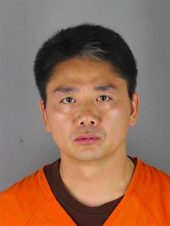 草莽刘强东:前20年从宿迁到北京 后20年从北京到美国